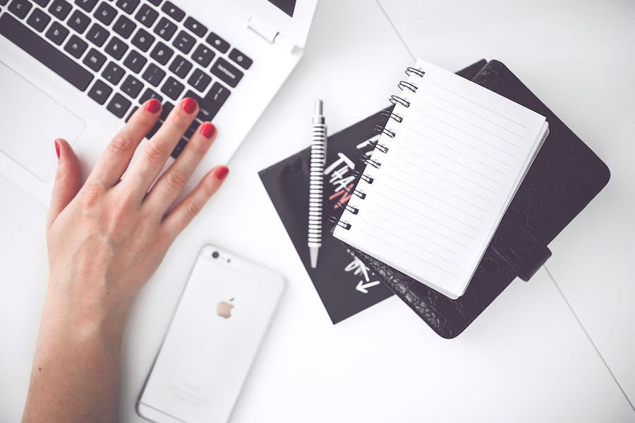earnning money as a blogger working from home